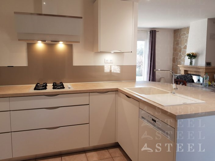 cusiniste.pro.Installation.de.cuisine.appartement.Alpes-Maritimes.petite.espace.loft