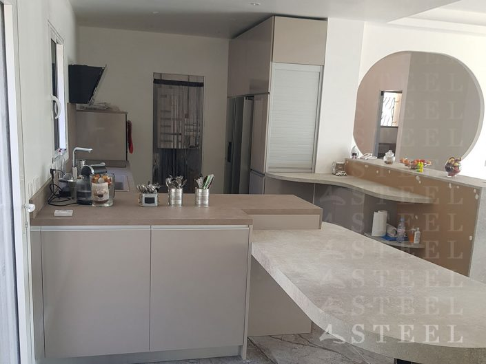 Cusiniste.draguignan.Installation.de.cuisine.loft.appartement.var.frejus
