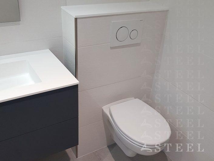 Renovation.toilette.WC.plomberie.carrelage.toilette.Meuble.salles.de.bains.style.bois.a.draguignan.trans-en-provence.espace.d-eau.carrelage.douche-italienne