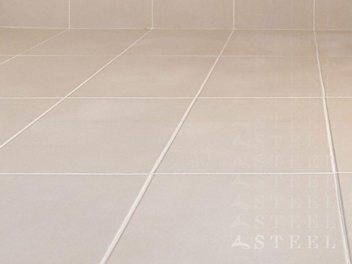 05-5.carrelage.WC.TOILETTE.petite.salle.de.bains.moderne.sous.toit.renovation.draguignan.var.provence